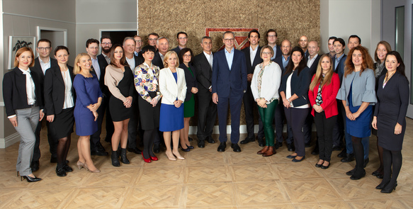 The Board of Kathrein Privatbank with the Portfolio Management Team and the Sales Team.jpg